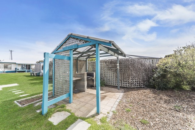 025_Open2view_ID328103-1-8_waratah_st_marion_bay
